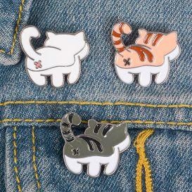 Брошь-значок «Cat's ass»