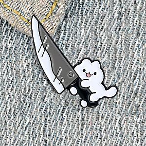 Брошь-значок «Котик с ножом»