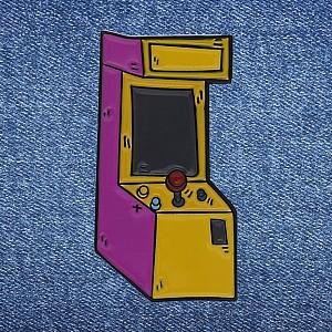 Брошь-значок «Игровой автомат»