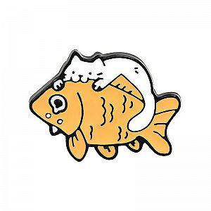 Брошь-значок «The cat eats the fish»